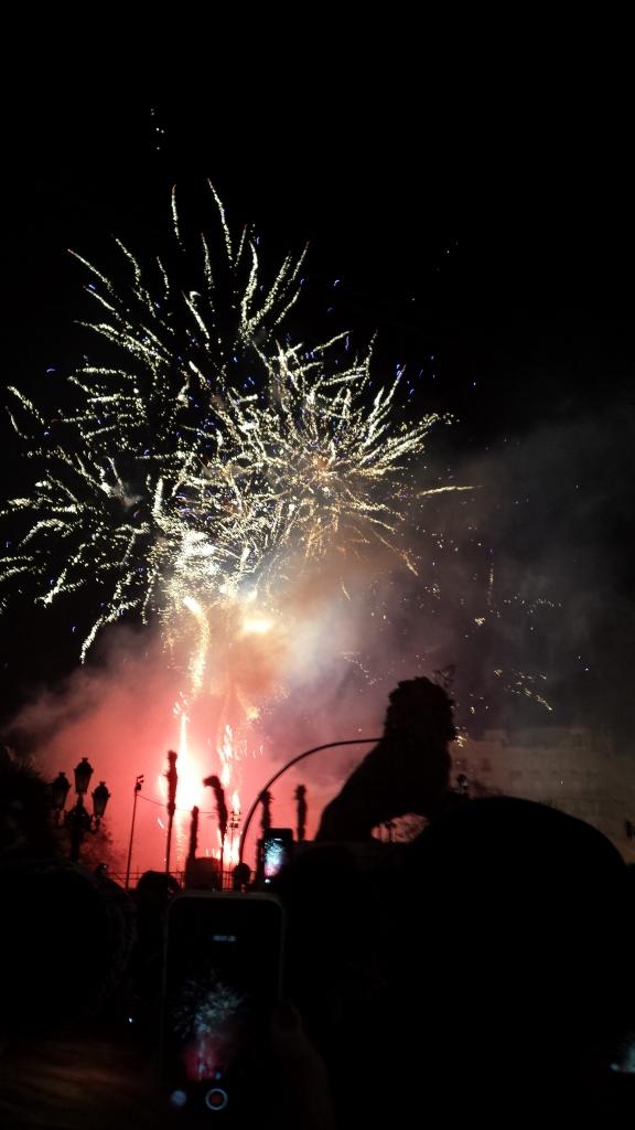 Fireowkrs at 1am of the Adjuntament Falla