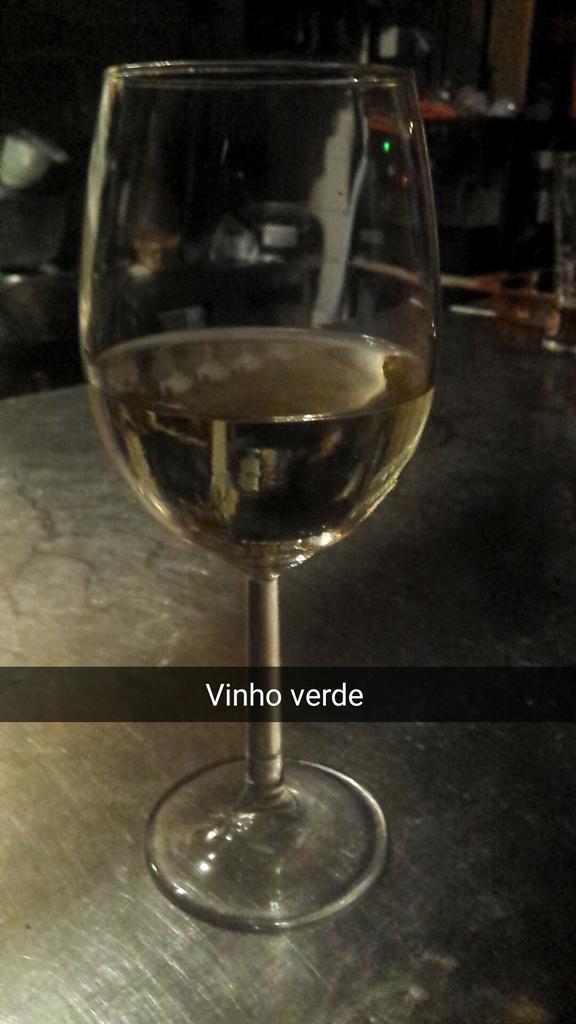 Vinho verde (green wine)