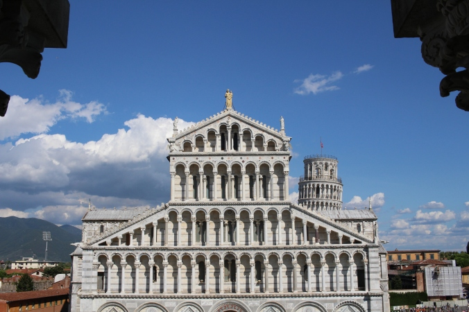 Great view of the Cathedral and Tower in the background from the Baptistry